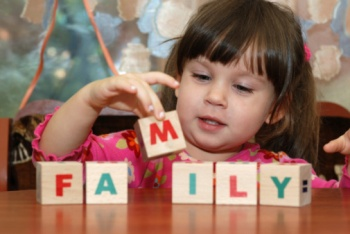 С какого возраста можно учить ребенка английскому языку?
